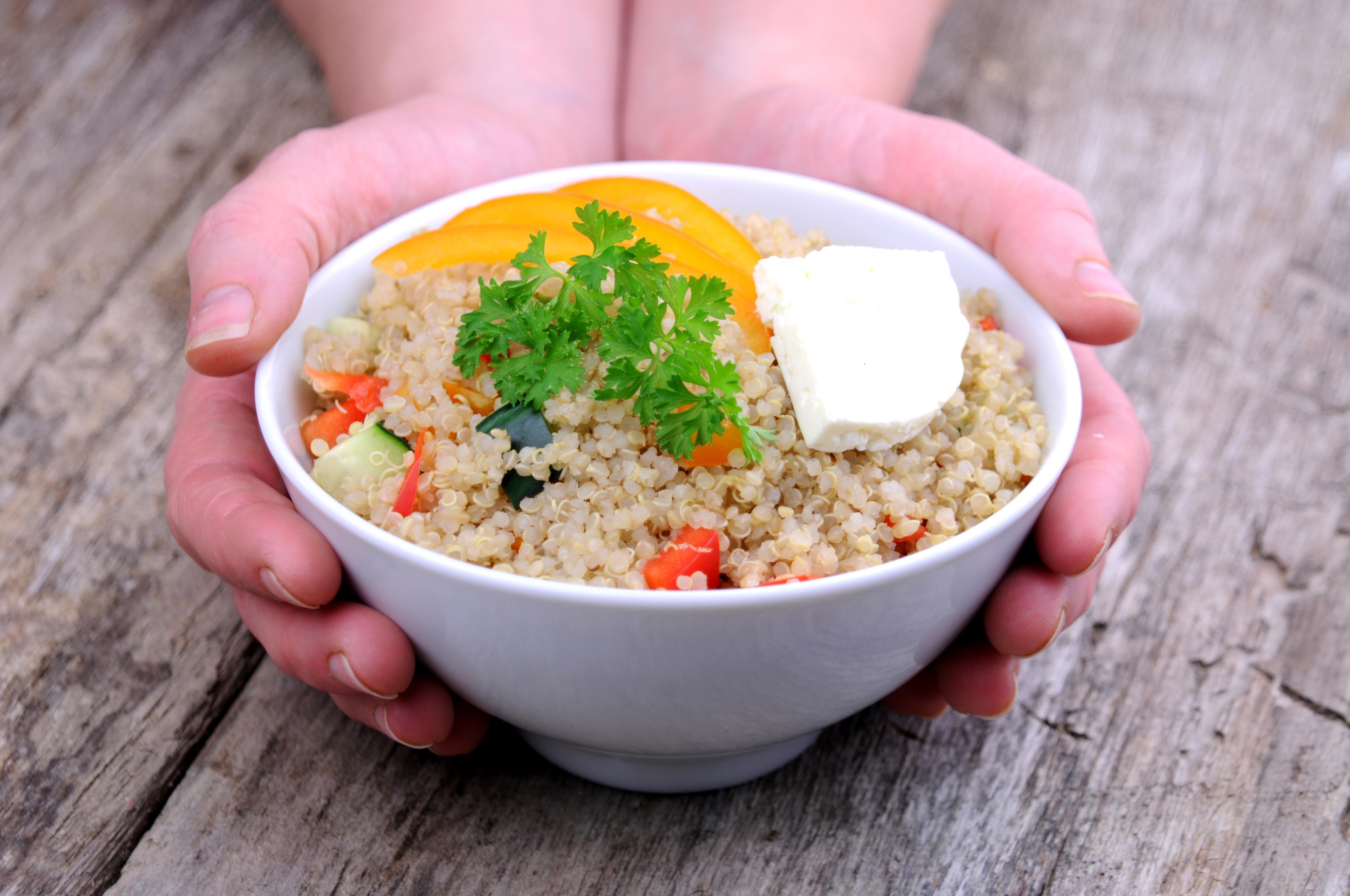 quinoa cu branza si legume Alexandra Alexandru specialist nutritie