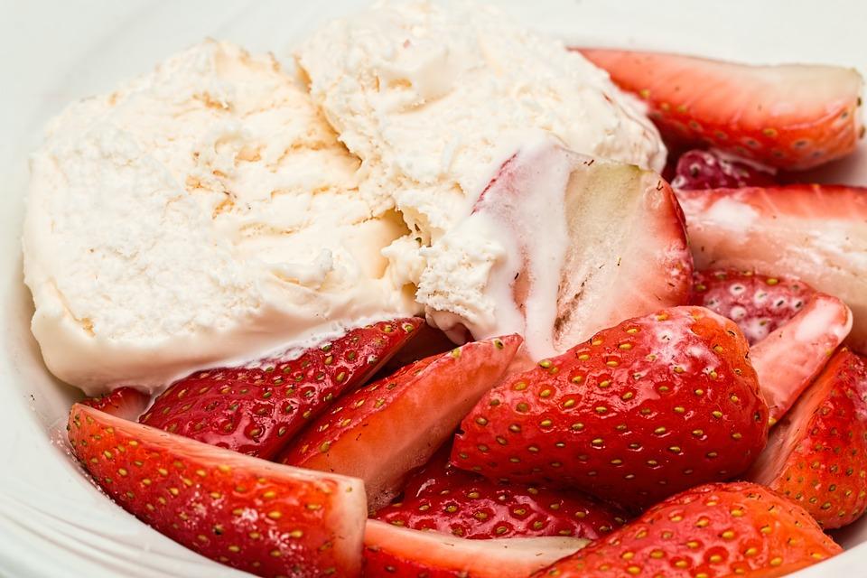 5 feluri de înghețată de casă, prietenă cu silueta de vară