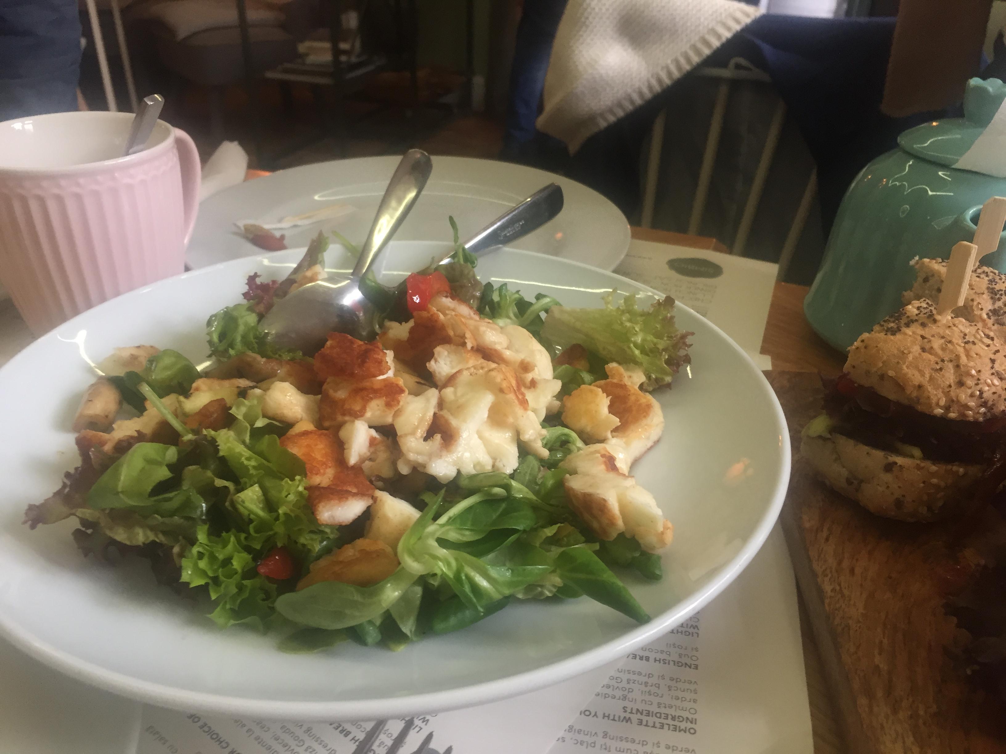 salata-haloumi